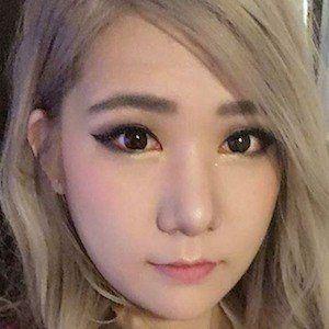 Rebecca Cho 1 of 6
