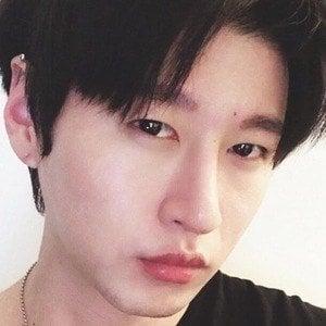 Zach Choi 1 of 4