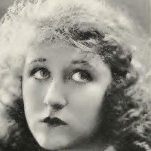 Ruth Clifford Headshot