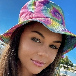 Tanisha Coetzee 1 of 6