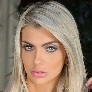 Talita Cogo Headshot 1 of 6