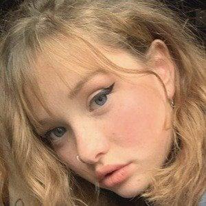 Zoe Colletti 1 of 10