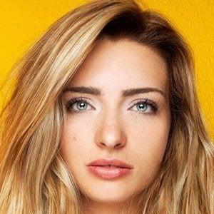 Kirsten Collins 1 of 10
