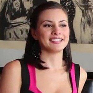 Kary Correa Headshot