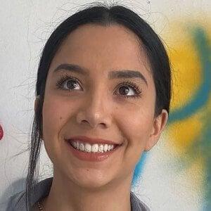 Mayra Couto 1 of 10