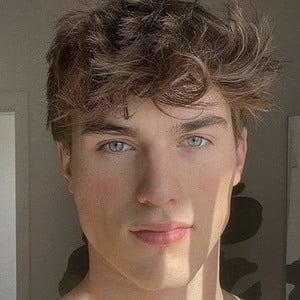 Zach Cox 1 of 3
