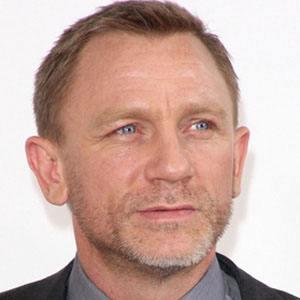 Daniel Craig 1 of 10