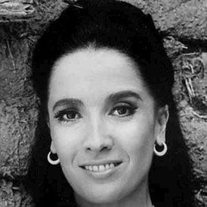Linda Cristal 1 of 5