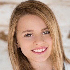 Isabella Cuda 1 of 5