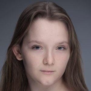 Gwen Currant 1 of 10