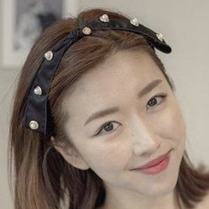 Sunny Dahye 1 of 7
