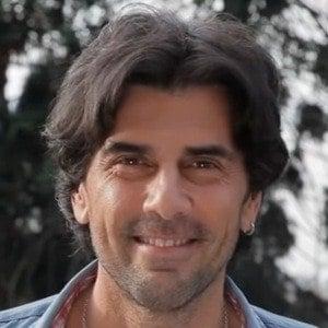 Juan Darthes Headshot