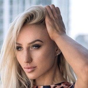 Lauren Dascalo 1 of 3