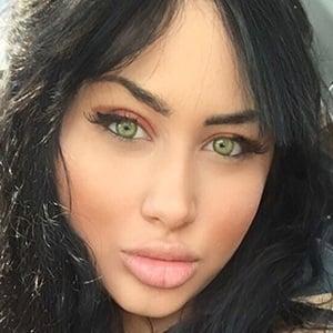 Deanna Dellia 1 of 6