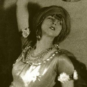 Ruth St. Denis Headshot