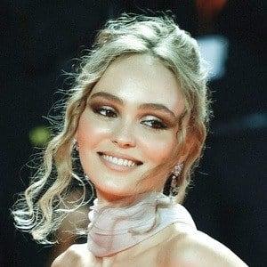 Lily-Rose Depp 1 of 4