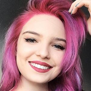 Mariana Devogeski 1 of 6