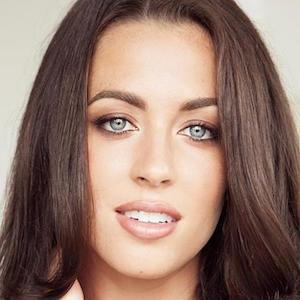 Daniela Dib 1 of 3