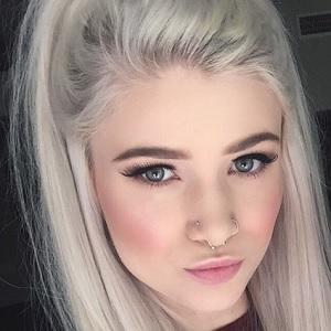 Courtney Dickerson Headshot