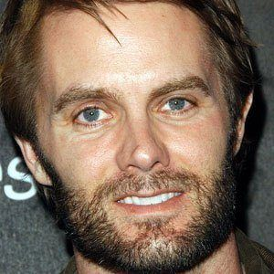 Garret Dillahunt 1 of 10