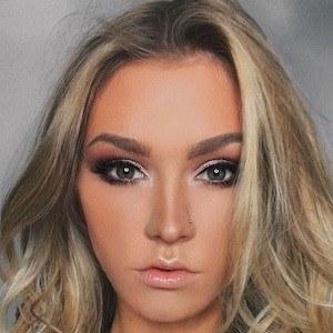 Kaitlin Dobson 1 of 9