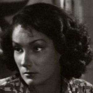 Doris Dowling Headshot