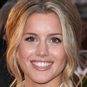 Caggie Dunlop 1 of 7