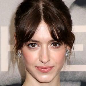 Daisy Edgar-Jones Headshot