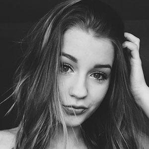 Elliana Edwards 1 of 5