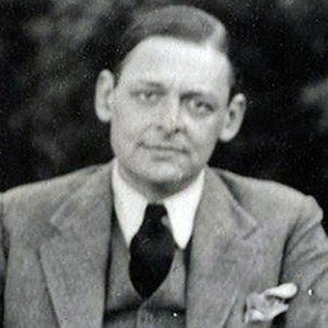 a biography of thomas stearns eliot born in st louis missouri in the hollow men Thomas stearns eliot, om (26 september 1888 – 4 january 1965), was an  essayist, publisher, playwright, literary and social critic, and one of the twentieth  century's major poets born in st louis, missouri, in the united states, to a  prominent boston  eliot lived in st louis, missouri for the first sixteen years of  his life at the.