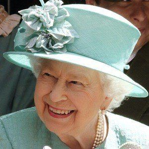 Reina Elizabeth II 1 of 7