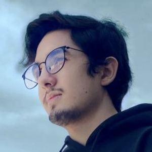 Emiliano Limón Headshot 1 of 4