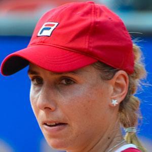 Marina Erakovic Headshot