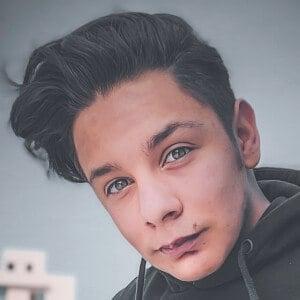 Adrián Escalona 1 of 10