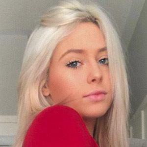 Lindsay Everson Headshot 1 of 10