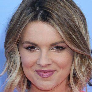 Ali Fedotowsky 1 of 5