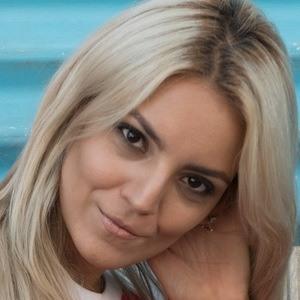 Lulu Fernandez 1 of 4