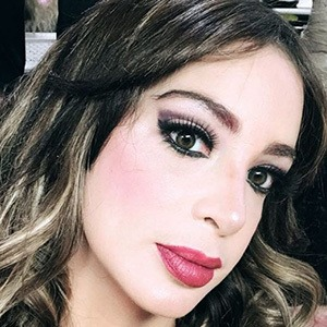 Mailyn Fernandez 1 of 4