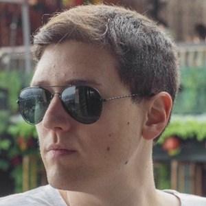 Nicolás Fischman Headshot
