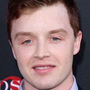 Noel Fisher 1 of 10