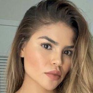 Fernanda Flores 1 of 6