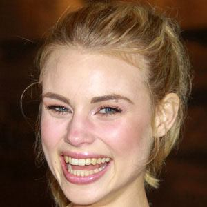 Lucy Fry 1 of 10