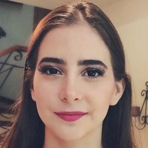 Fernanda Fuentes 1 of 6