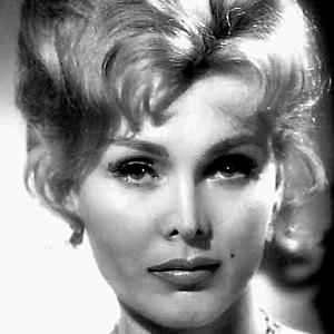 Zsa Zsa Gabor 1 of 10