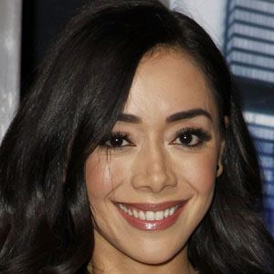 Aimee Garcia 1 of 6