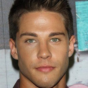 Dean Geyer 1 of 5