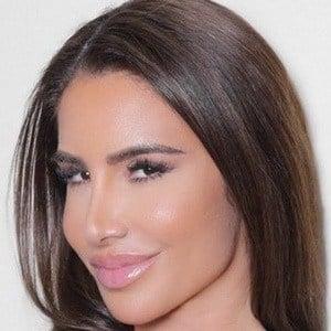 Nikki Giavasis 1 of 6