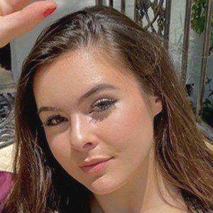 Lauren Gibson 1 of 6