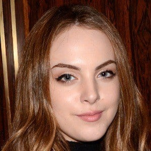 Elizabeth Gillies 1 of 10