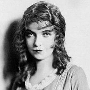 Lillian Gish 1 of 10